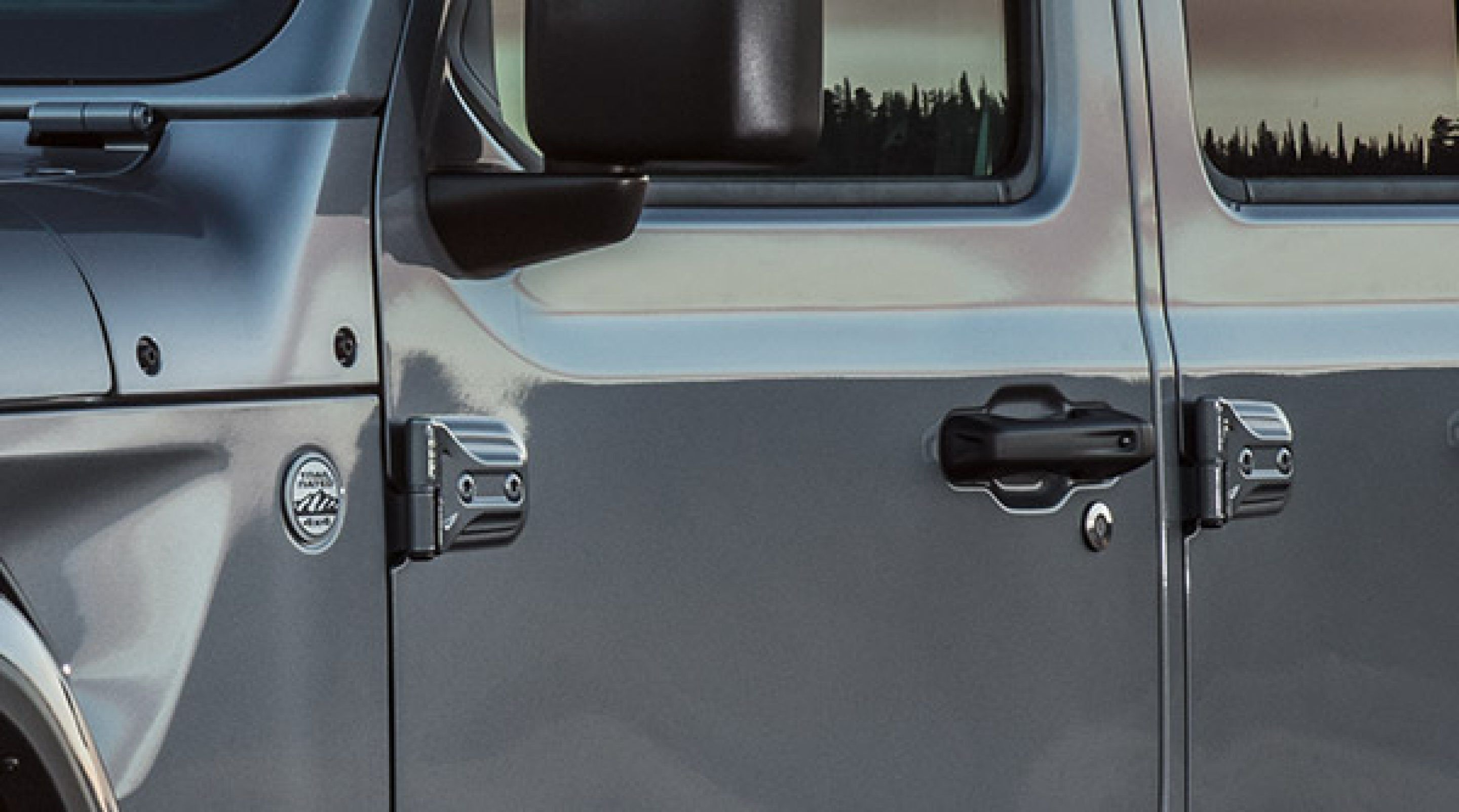 2020-Jeep-Gladiator-Safety-Convenience-Passive-Entry.jpg.image.2880.jpg