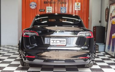 04_Tesla_model3 copy.jpg