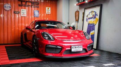 01_Porsche GT4 copy2.jpg