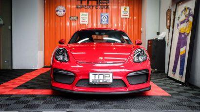 02_Porsche GT4 copy.jpg